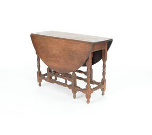 William  Mary style walnut gateleg table