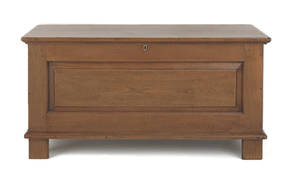 Pennsylvania William  Mary walnut blanket chest early 18th c