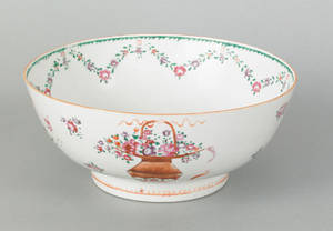 Chinese export porcelain bowl early 19th c