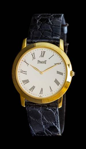 An 18 Karat Yellow Gold Ref 9920 Wristwatch Piaget