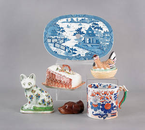 Group of pottery and porcelain to include a pearlware strainer