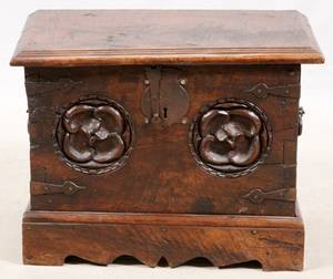 CONTINENTAL HAND CARVED OAK CHEST 18TH C
