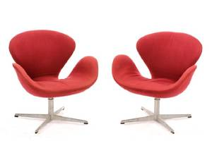 Pair of Jacobsen For Fritz Hansen Swan Chairs
