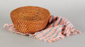 Fine Pennsylvania rye straw basket 19th c
