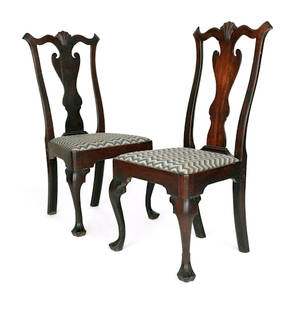 Pair of Delaware Valley Queen Anne walnut dining chair ca 1760