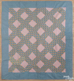 Lancaster County Pennsylvania Amish ocean waves quilt ca 1930