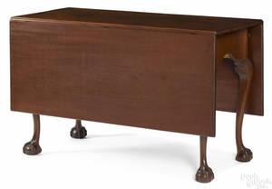 Frank Auspitz York Pennsylvania Chippendale style mahogany drop leaf dining table
