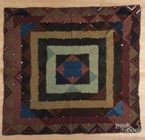 Log cabin concentric squares quilt