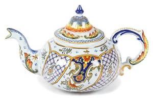 An Italian Faience Teapot