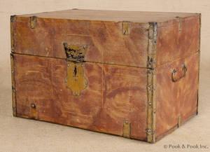 Grain painted pine storage box