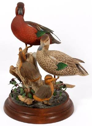 DAN WILLIAMS CARVED WOOD BIRD SCULPTURE