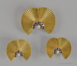 18K yellow gold sapphire and diamond fur pin and earring set with full cut diamonds and round cut blue sapphires