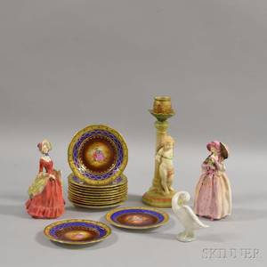 Sixteen Assorted Decorative Items