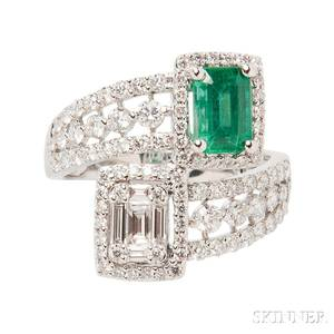 18kt White Gold Diamond and Emerald Ring