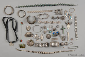 Miscellaneous grouping of sterling jewelry