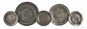 Five pieces of English pewter 18th19th c