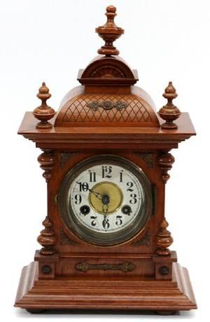 GERMAN OAK MANTEL CLOCK