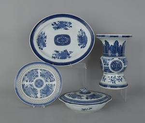 Group of blue Fitzhugh porcelain 19th c