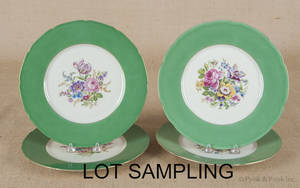 Set of twelve Czechoslovakian porcelain plates with floral decoration