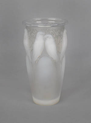 Lalique Ceylan opalescent glass vase