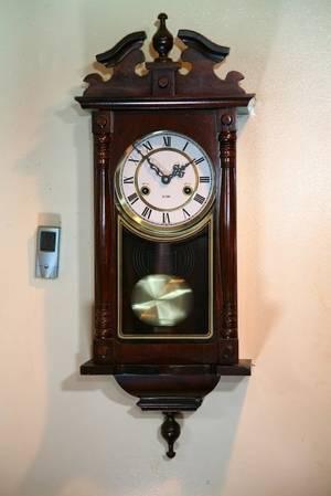 31 Day Case Clock