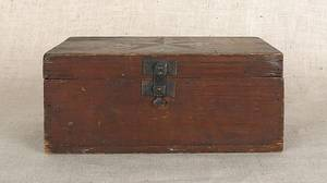 Bucks County Pennsylvania painted pine box late 19th c
