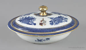 Chinese export porcelain blue Fitzhugh armorial covered vegetable early 19th c