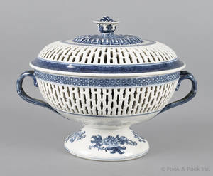 Chinese export porcelain blue and white reticulated basket and cover 19th c