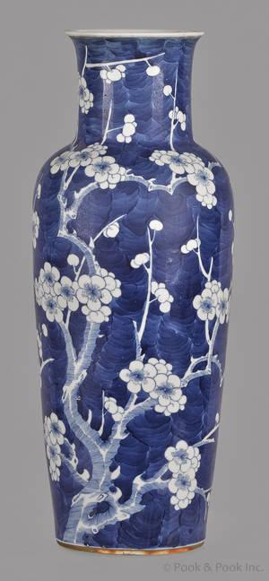 Chinese Kangxi blue and white porcelain vase