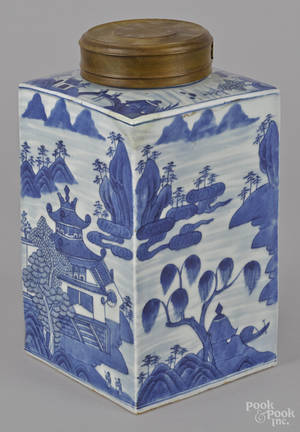 Chinese export Canton porcelain canister 19th c