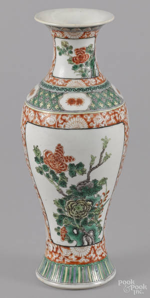 Chinese famille verte porcelain garniture vase
