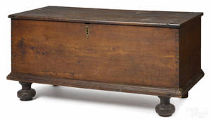 Pennsylvania William  Mary walnut blanket chest ca 1730