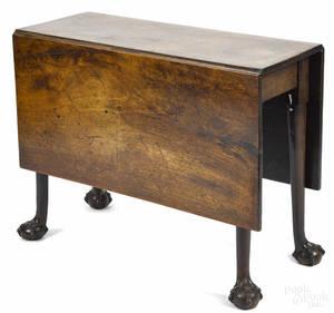 George III mahogany dropleaf dining table ca 1780