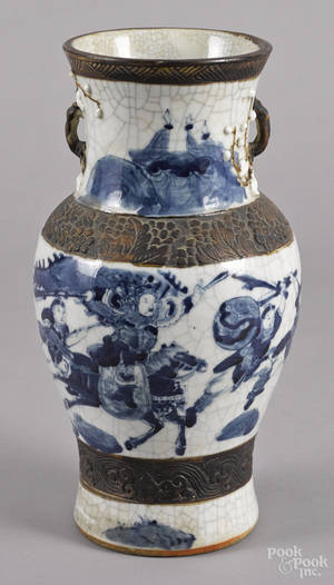 Chinese Qing dynasty crackle glaze vase