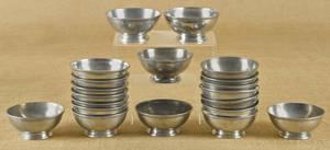 Group of twenty English pewter bowls 19th c