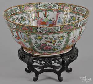 Chinese export porcelain rose medallion bowl 19th c