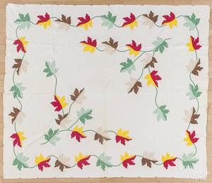 Pieced oak leaf quilt