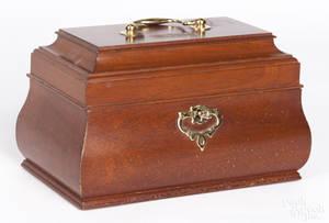 Colonial Williamsburg mahogany dresser box