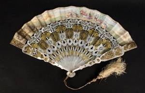 Ladies Mother of Pearl Gilt Accented Fan