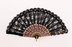 Victorian Black Lace Gilt Accented Ladies Fan