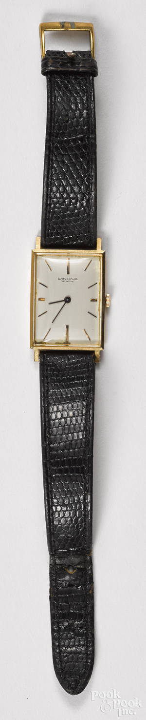 Universal Genve wrist watch with an 18k gold case