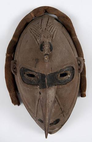 Papua New Guinea carved and painted Sepik face mask