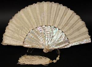 Ladies Mother of Pearl  Lace Fan