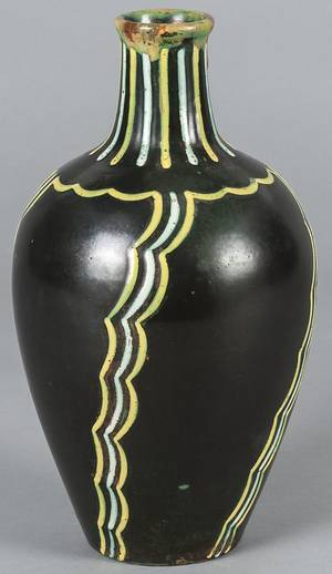 Italian Art Deco pottery vase