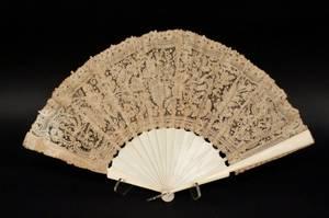 19th C Ivory Fan with Dark Beige Lacework
