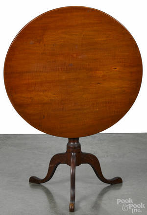 New England Queen Anne maple tea table