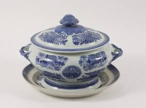 19th C Chinese Blue Fitzhugh Tureen  Underplate