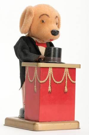 959 WindUp Tricksie Magician Dog Toy Japan ca