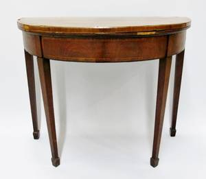 Demilune Game Table