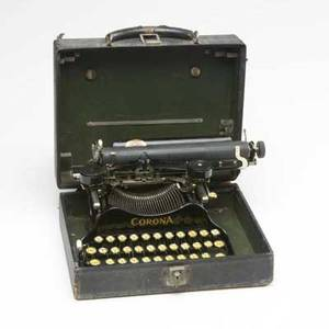 Corona xcd folding typewriter with original case ca 1917 patent mark june 10 1917 marked corona typewriter company inc typewriter 6 34 x 12 x 10